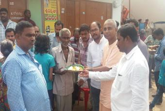 Akshaya Patra providing food relief in Srikakulam district